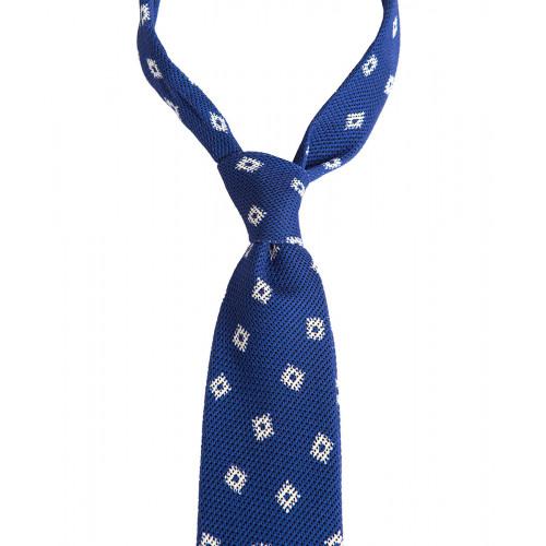 Niebieski krawat w geometryczny wzór
