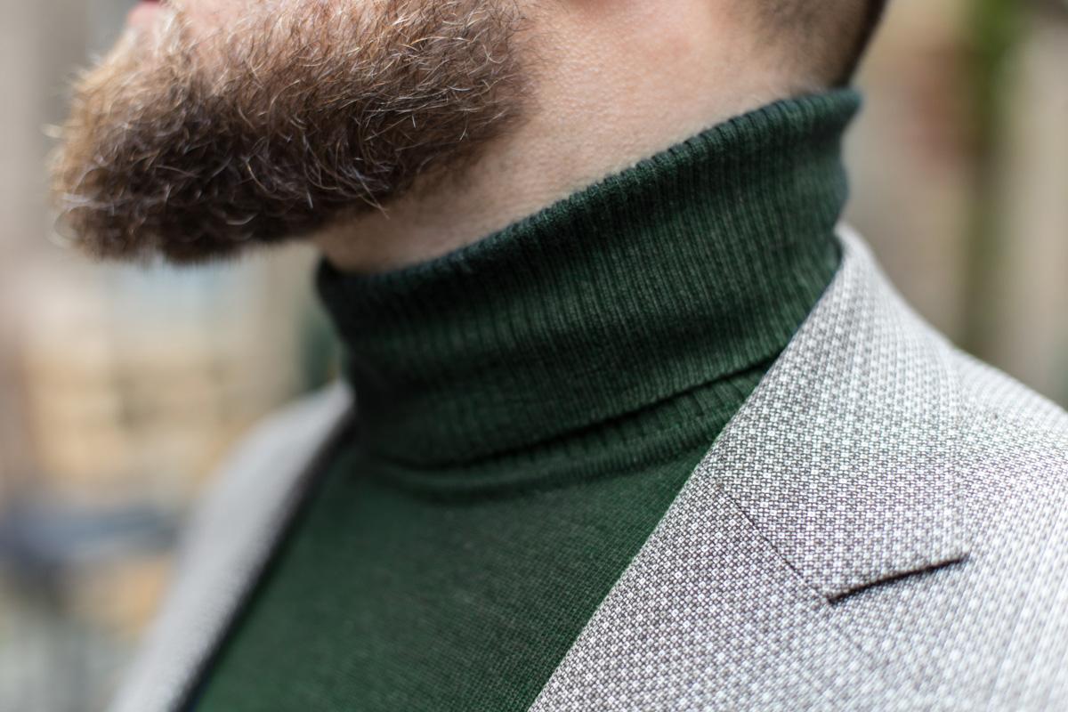 Połączenie swetra z marynarką